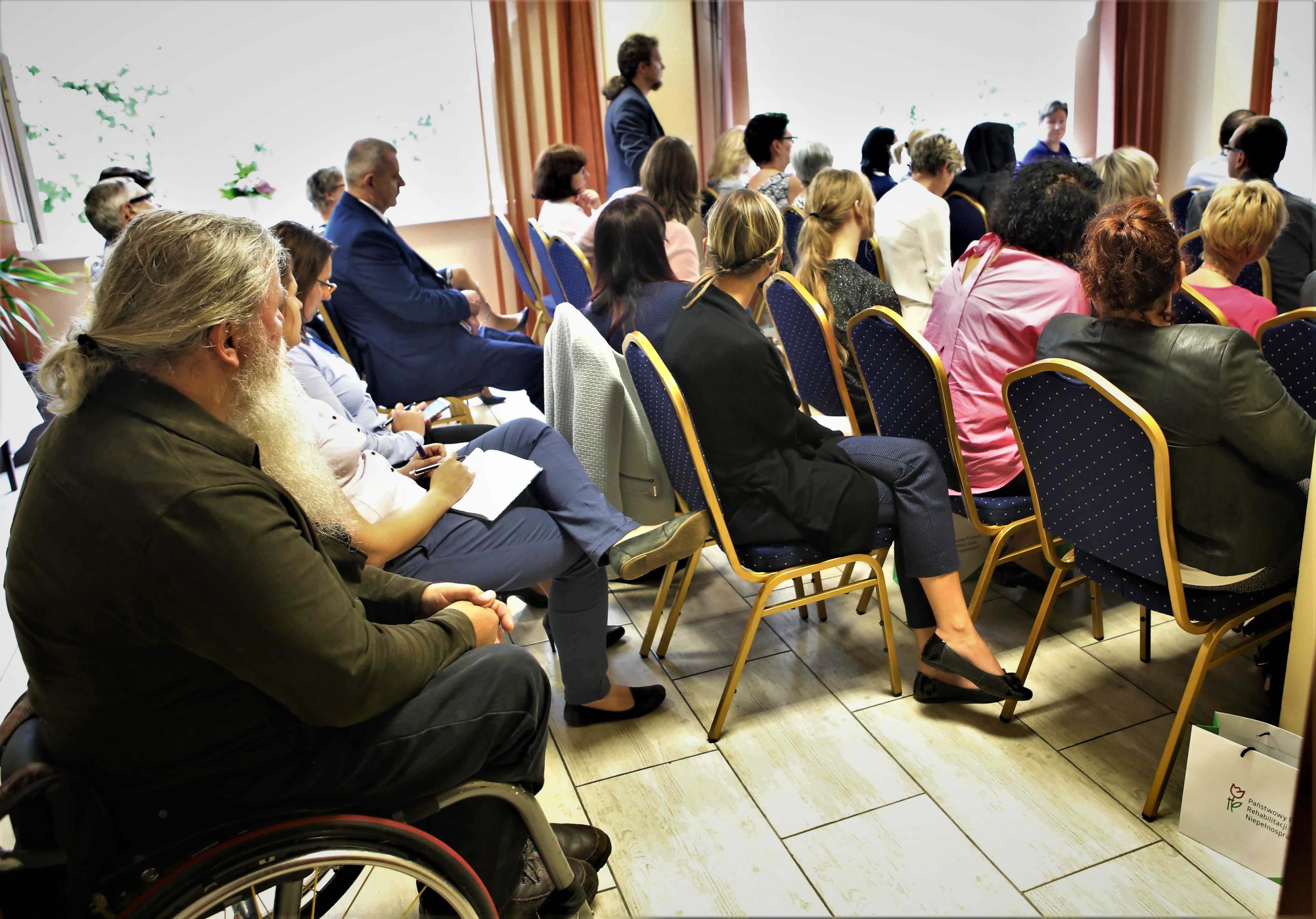 Spotkanie konsultacyjne w sprawie systemu wsparcia osób