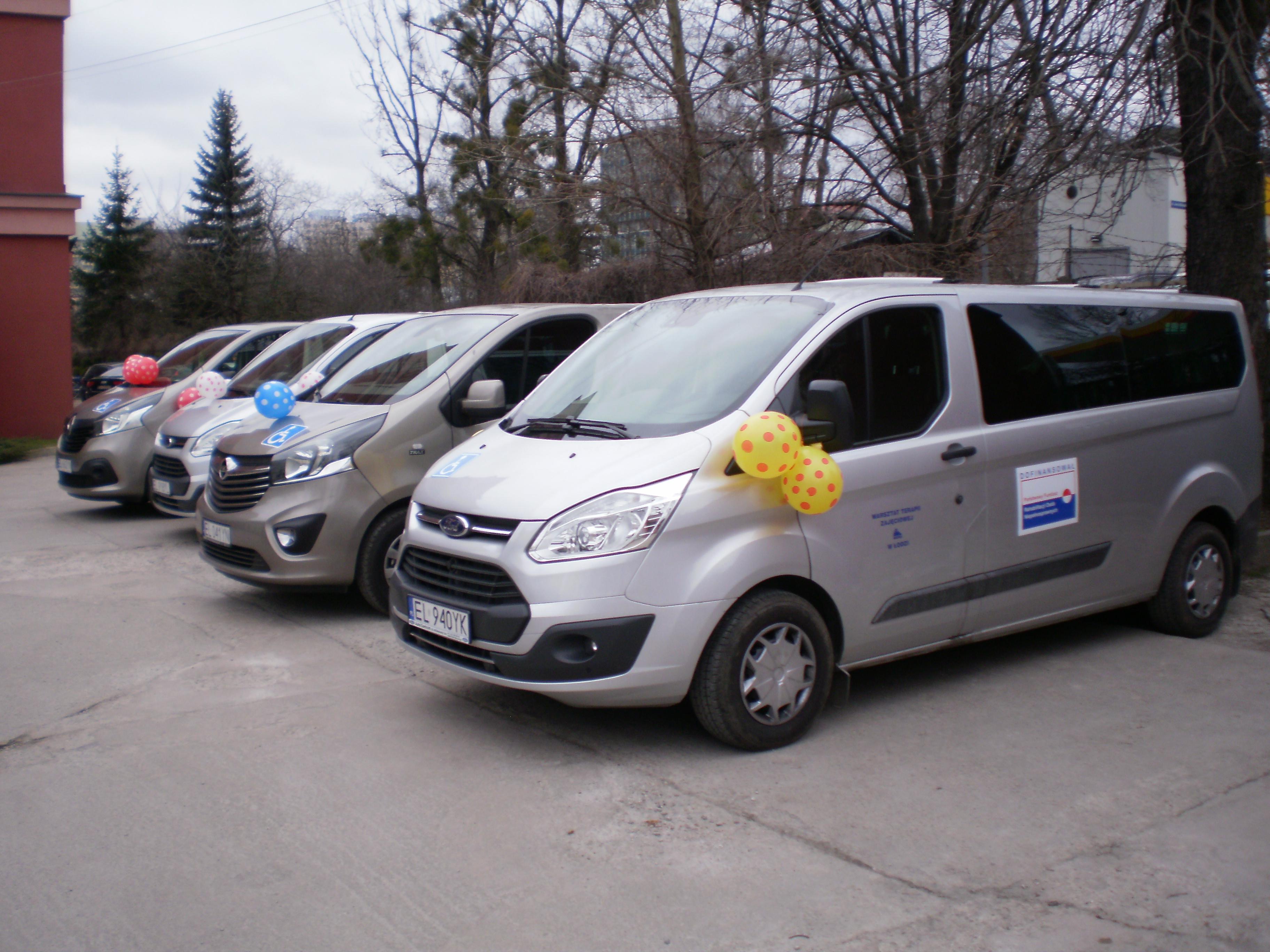 Dodatkowe Nowe auta do przewozu osób niepełnosprawnych na zajęcia i terapię MY93